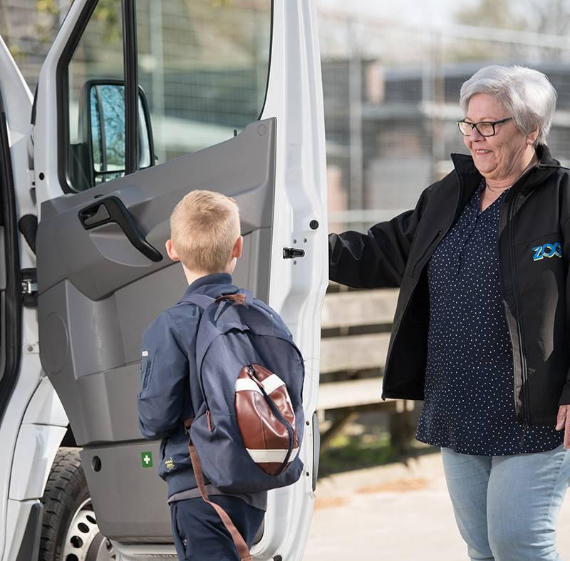 Reizigers ZOOV geven chauffeurs ZOOV Op Maat en ZOOV School een dikke 8